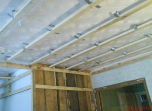 Как сделать потолок из вагонки?