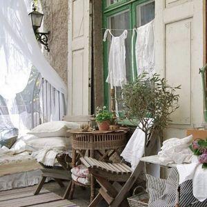 Как сделать свой балкон настоящим райским уголком