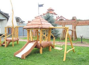 Места для отдыха на даче. детская площадка