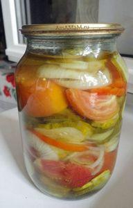 Самые вкусные салаты на зиму: рецепты консервации с фото